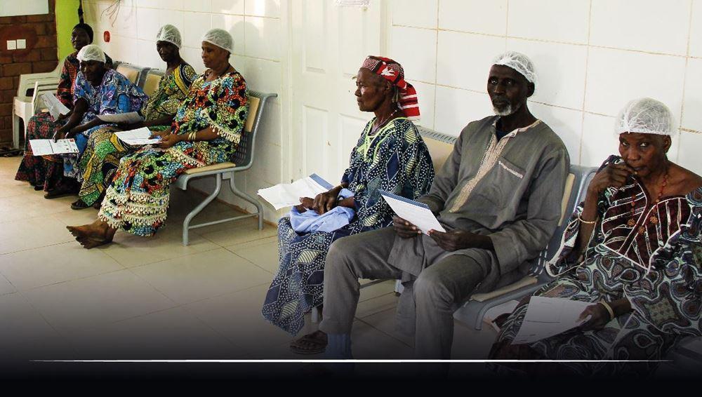 صورة تنظيم كشوفات طبية شاملة  لعدد 1500 شخص - النيجر