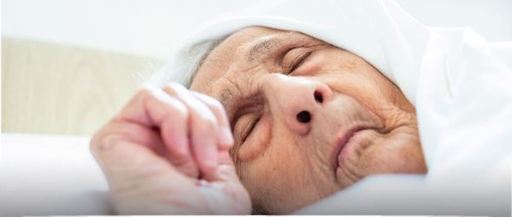 Picture of A poor elderly woman needs to have two joints installed - Project No. 8990/2021